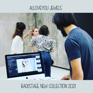 •I dettagli, le piccole cose, i particolari che fanno parte dei nostri racconti. E le persone, sempre• New Collection Coming Soon  . #alloveyoujewels #madeinitaly #trattareconcuraportarecongioia #gioielliemozionali #happy #artisanal #silverjewels #italianjewelry #designjewelry  @alloveyoujewels  . Credits  . Fotografia Simona Brusa  @simonabrusa23  . Make Up & Hair Linda Bianchi per Accademia Stefano Anselmo  @dindijacky  . Modelle @sabrinaatodisco  @_vanessaburatti_  @mbbelll  @gretabocchiola  . Styling Simona Polli @simona_polli  . Produzione video Francesco Ariemma per Movie in White @movieinwhite  . Jewels Design  Saragio' Carletti @saragio.it