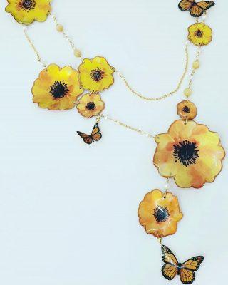 •Alle donne. Oggi e ogni giorno• Collezione *Bloom*   #alloveyoujewels #silverjewelry #artisanal #madeinitaly #trattareconcuraportarecongioia #bloom #8marzo #yellow #festadelladonna #beunique #designjewelry #alloveyou @saragio.it @alloveyoujewels