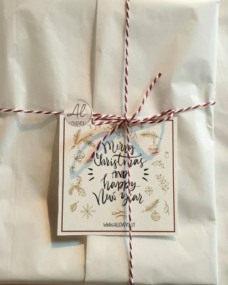 •Semplicity• Merry Christmas. Whit love. #alloveyoujewels #madeinitaly #artisanal #silverjewels #gioielliemozionali #trattareconcuraportarecongioia #christmaspresent #apresentforyou #alloveyoujewels @alloveyoujewels