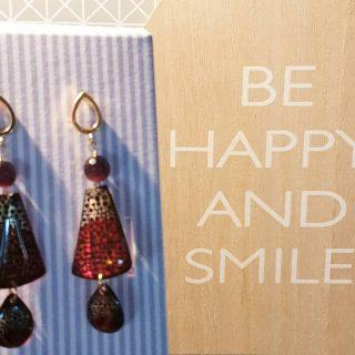 •Be Happy and Smile• Collezione Hana - disponibile online #alloveyou #earrings #silverjewelry #madeinitaly #artisanal #beunique #trattareconcuraportarecongioia #jewelry #gioielliemozionali #behappy #alloveyoujewels @alloveyoujewels